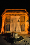 Iran - Shiraz: Pars Museum at night - Karimkhan Ave. - former mausoleum of Karim Khan - photo by M.Torres