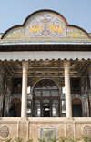 Iran - Shiraz: verandah - Qavam House - Narenjestan e Qavam - the building faces the Qiblah - photo by M.Torres