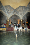 Iran - Shiraz: fountain at the Vakil baths, now a restaurant - photo by M.Torres