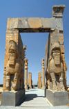 Iran - Persepolis: Gate of all nations, aka Xerxes' gate - Easter side - UNESCO world heritage - photo by M.Torres