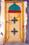 Iran - Hormuz island: doubtful taste in door decoration - photo by M.Torres