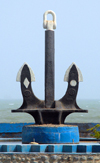 Iran -  Bandar Abbas: anchor on the waterfront - photo by M.Torres