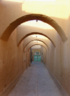 Yazd, Iran: alley with arches - streets of old Yazd - photo by N.Mahmudova