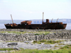 Ireland - Inisheer - Aran islands (Galway / Gaillimh county): shipwreck (photo by R.Wallace)