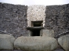Ireland - Newgrange megalithic passage tomb (county Meath): entrance (photo by R.Wallace)