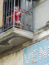 Italy / Italia - Venosa (Basilicata - provincia di Potenza): child on a balcony / bambino su un balcone (photo by Emanuele Luca)