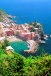 Italy / Italia - Liguria:  Vernazza village -  Cinque Terre: the harbour from above - Unesco world heritage site - photo by D.Smith
