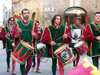 Siena / Sienna:  (Toscany / Toscana) / FLR : parade of the paleo champions - drummers (photo by Fiona Hoskin)