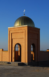 Kazakhstan, Shelek - Engbekshikazakh district, Almaty province: Muslim cemetery - tomb with gilded dome - photo by M.Torres