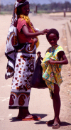 East Africa - Kenya - Malindi / Melinde, Coast province: mother and daughter - people of Africa - photo by F.Rigaud