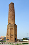 Erbil / Hewler / Arbil / Irbil, Kurdistan, Iraq: Mudhafaria Minaret - 13th century brick masonry structure. with an octagonal base and a tall cylindrical shaft - hazarbaf brickwork - photo by M.Torres