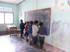 Laos - Muang Noi: boys at the blackboard - primary school - photo by P.Artus