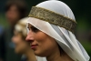 Latvia - Cesis: girl from the middle ages - medieval festival - head gear (Cesu Rajons - Vidzeme) (photo by A.Dnieprowsky)