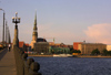 Latvia / Latvija - Riga: St Peter's church seen from the stone bridge / Akmen tilts un St Petera baznica - photo by A.Dnieprowsky