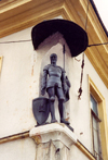 Lithuania - Vilnius: Corner sentinel - photo by M.Torres
