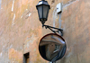Vilnius, Lithuania: back street - mirror and lamp - photo by A.Dnieprowsky