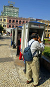 Macao, China - city center, CTM telephone booths - cabines telef�nicas - photo by B.Henry