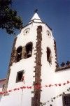 Madeira - Santa Cruz: bell tower of the main church / campanário da igreja matriz - photo by M.Durruti