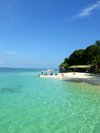 Malaysia - Sabah  (Borneo): Sipidan island: emerlad waters of the South China Sea (photo by Ben Jackson)