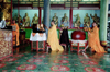 Malaysia - George Town - Penang / Pinang / Prince of Wales island / PEN: Buddhist monks pray (photo by J.Kaman)
