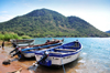 Monkey Bay / Lusumbwe, Malawi: fishing boats with outboard engines, 'mai mponda' - Lake Malawi / Nyasa, Nankumba Peninsula - photo by M.Torres