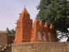 Segou / SZU: red mosque  (photo by Alejandro Slobodianik)