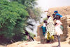 Mali - River Niger: kids from a village on the river bank - photo by N.Cabana