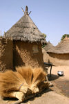 Mali - Bamako area - village houses - mud construction - photo by E.Andersen