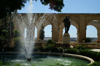 Malta: Valletta - Upper Barakka Gardens - fountain - photo by A.Ferrari
