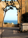 Malta: Malta: Valletta - Upper Barakka Gardens, facing the Grand Harbour, the gardens offer a vantage point from which to admire the views (photo by ve*)