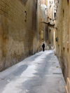 Malta: Malta: Mdina - narrow street (photo by ve*)