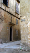 Malta: Malta: Mdina - corner - Bastion square (photo by ve*)