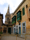 Malta: Malta: Valletta - balconies and church (photo by ve*)