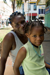 Fort-de-France, Martinique: mother and daughter - photo by D.Smith
