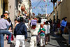 Mexico - Guanajuato (Guanajuato): dressing for the festival - Unesco world heritage site (photo by R.Ziff)