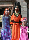 Mexico - San Miguel de Allende (Guanajuato): life-sized dolls / gigantones (photo by R.Ziff)