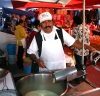 San Miguel de Allende (Guanajuato): La Placita - making churros (photo by R.Ziff)