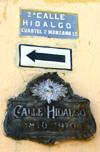 Mexico - San Miguel de Allende (Guanajuato): sign at Calle Hidalgo (photo by R.Ziff)