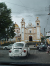 Mexico - Xico  (estado de Veracruz-Llave - Xalapa): church and white beetle (photo by A.Caudron)