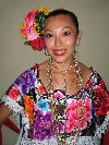 People of North America - Mexico - Valladolid? (Yucat�n): Mujer Yucateca / Yucatanian lady (photo by Angel Hern�ndez)