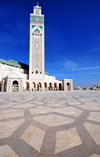 Casablanca, Morocco / Maroc: Hassan II mosque - minaret and the square - photo by M.Torres