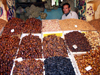 Morocco / Maroc - Meknes: dates at the market - photo by J.Kaman