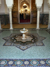 Morocco / Maroc - Meknes: fountain at Moulay Ismail's tomb - zellij - photo by J.Kaman