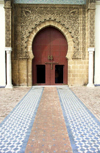 Morocco / Maroc - Meknes: Moulay Ismail's tomb - gate - decorative patterns - Unesco world heritage - photo by J.Kaman