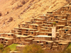 Morocco / Maroc - Ikkiss (Marrakesh Tensift-Al Haouz region): building on the slopes - photo by J.Kaman