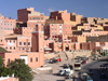 Morocco / Maroc - Boumalne du Dades: dense urban planning - photo by J.Kaman