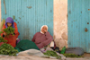 Morocco / Maroc - Chefchaouen / Chef / Chaouen: mint sellers, cannabis or kif sold elsewhere - herbs - Marijuana Country - photo by J.Banks