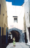 Morocco / Maroc - Tangier / Tanger: arch in the Medina