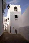Asilah / Arzila, Morocco - whitewashed houses - Medina - photo by Sandia