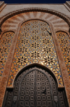 Casablanca, Morocco: Hassan II mosque - gate and golden mosaics - Mauresque architecture - photo by M.Torres